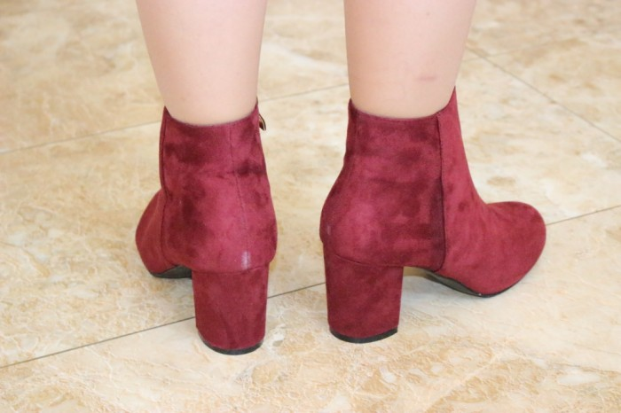 женские ботинки на высоком каблуке
