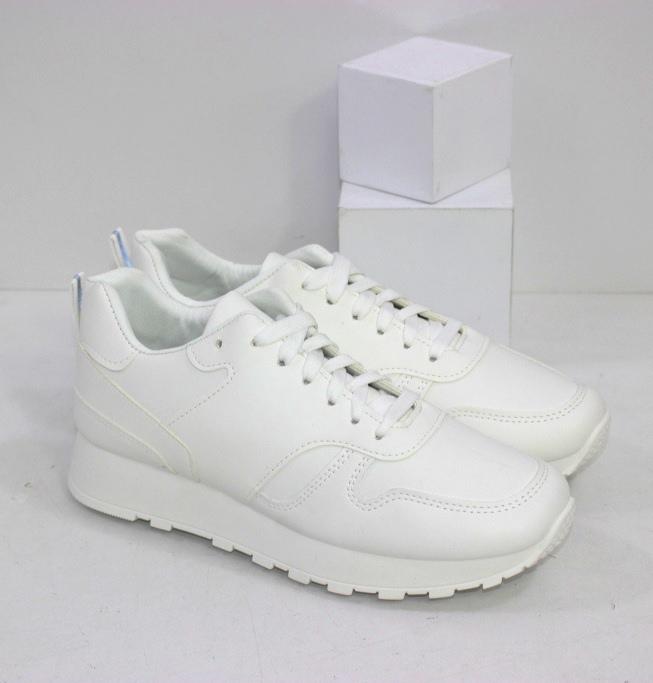 Купить белые женские кроссовки из эко-кожи