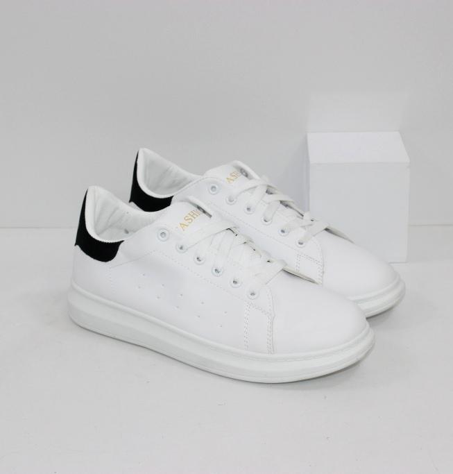 Купить женские белые кроссовки из эко кожи на осень