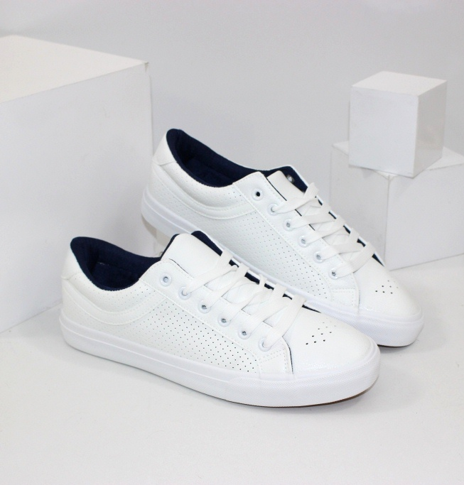 Чоловіче взуття - купити класні молодіжні кросівки. Новинки!