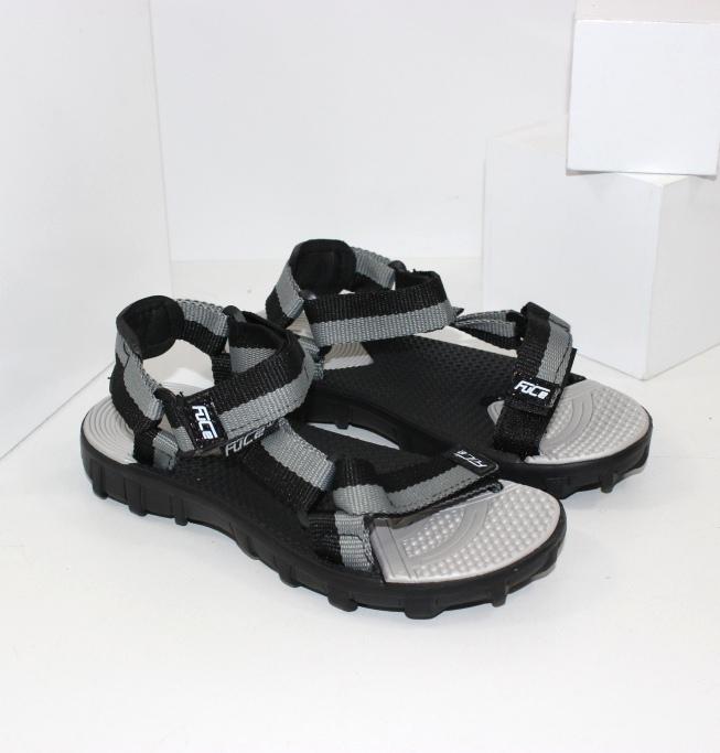 Стильная и качественная детская обувь на любой сезон. Доступные цены, доставка
