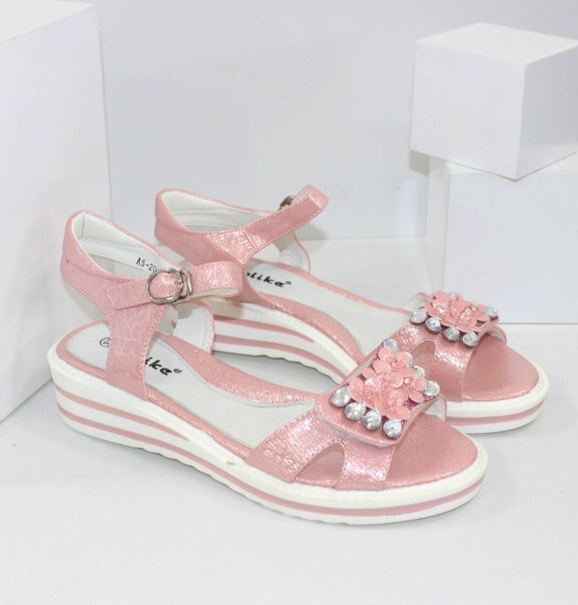 Модна дитяче взуття для дівчаток і хлопчиків!