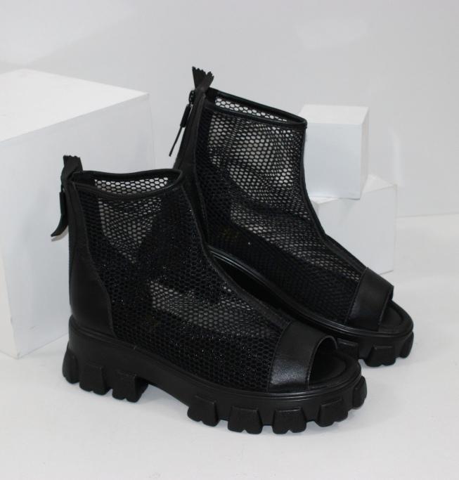літні чоботи і ботильйони