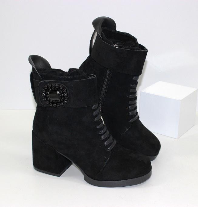 Модные замшевые осенние ботинки 700 - купить осенние ботинки на каблуке, легко и просто в интернете