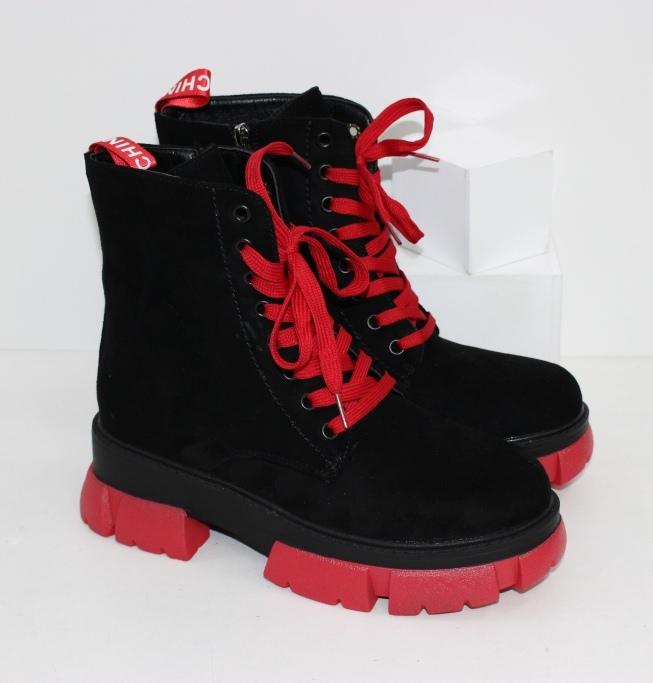 Черные замшевые ботинки на красной подошве для женщин на зиму