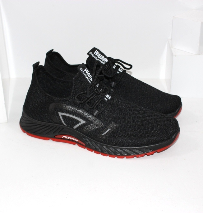 Купить черные мужские кроссовки на красной подошве