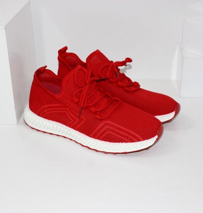 Купить красные кроссовки для лета