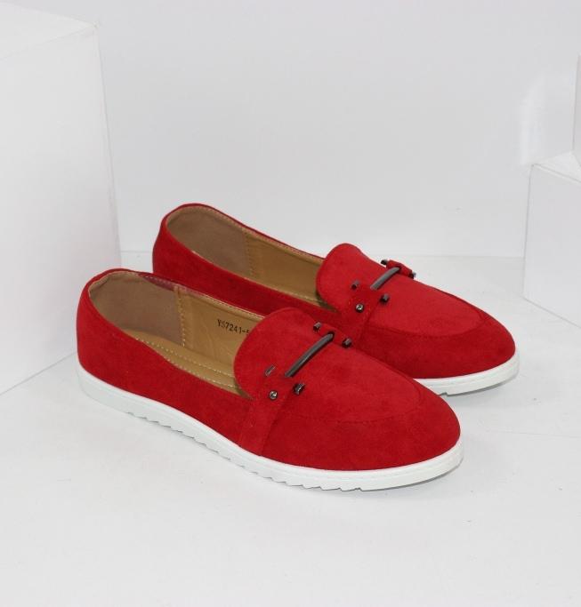 Червоні замшеві жіночі туфлі лофери