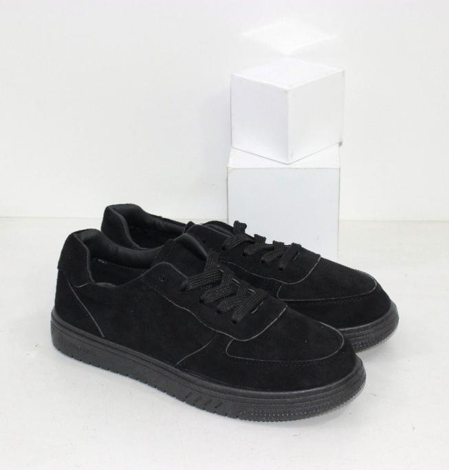 Купить черные женские кроссовки на ровной подошве