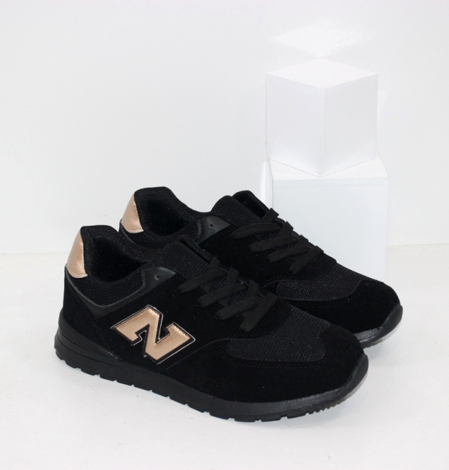 Купить недорого женские черные замшевые кроссовки с бронзовыми вставками