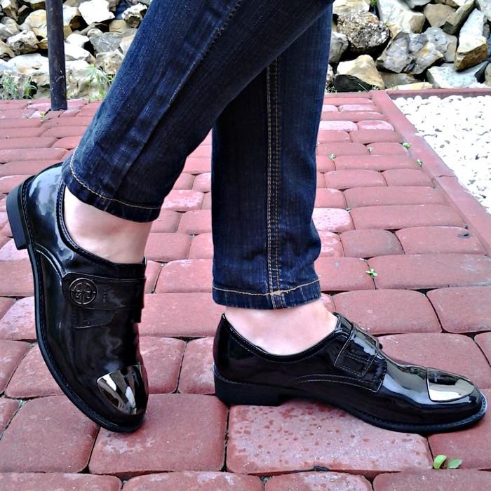 Туфлі повсякденні на низьких підборах купити на сайті
