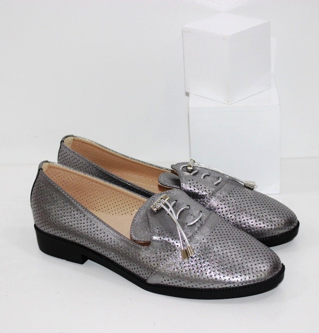 Купить недорого женские туфли больших размеров на низком ходу