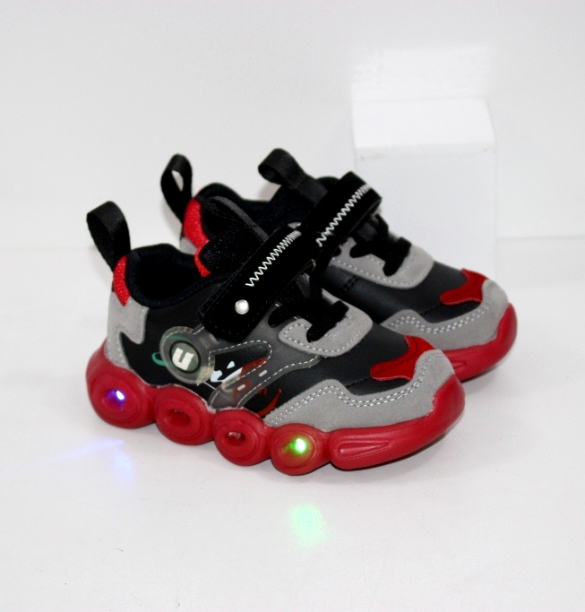Купить детские осенние кроссовки с фонариками на красной подошве