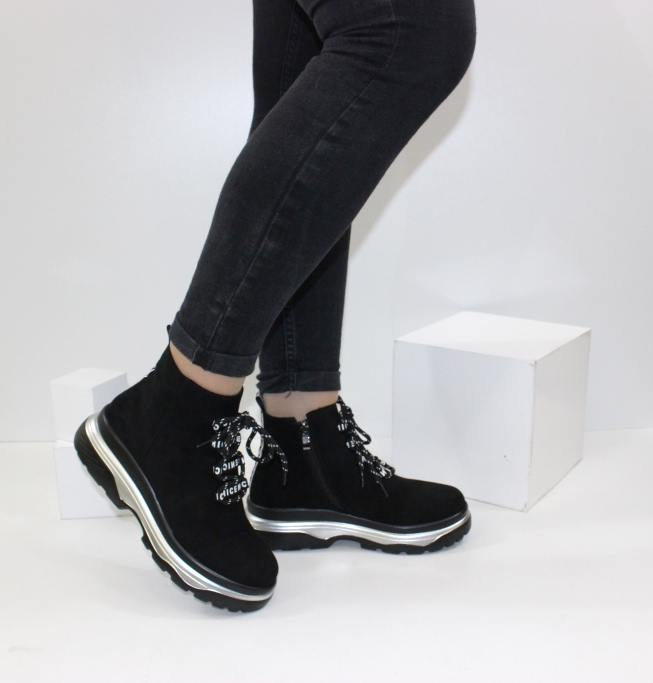 жіночі черевики на танкетці і платформі
