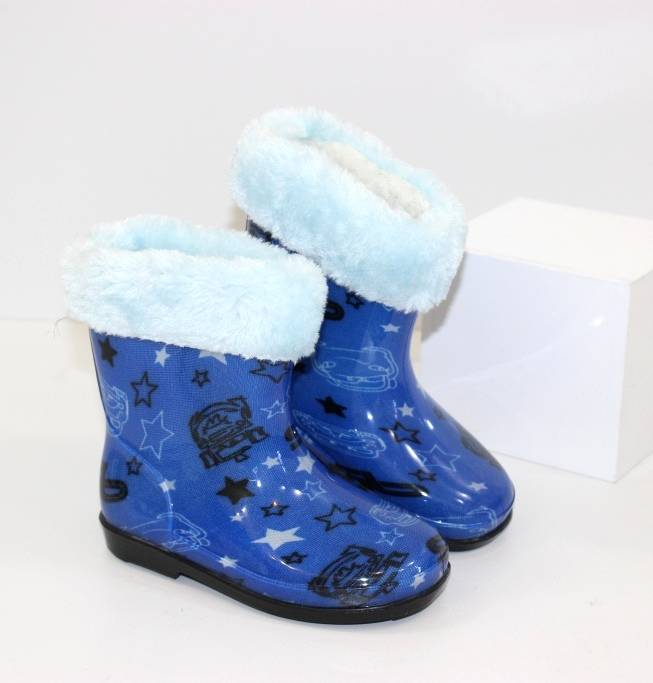 Дитячі силіконові чоботи для хлопчика - недороге взуття для дощу і сльоти.