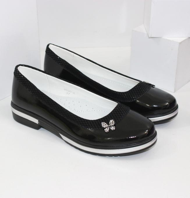 Взуття для дівчаток модний, якісний