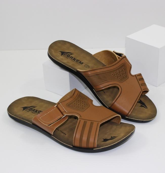 Взуття для справжніх чоловіків - туфлі, сандалі, шльопанці. Новинки 2019!