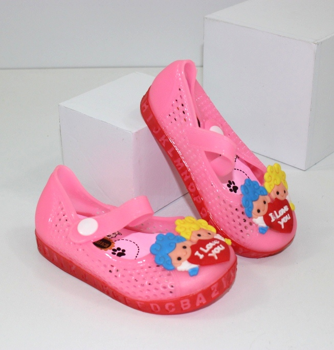 Дитяче взуття для дівчаток і хлопчиків онлайн. Дропшиппінг