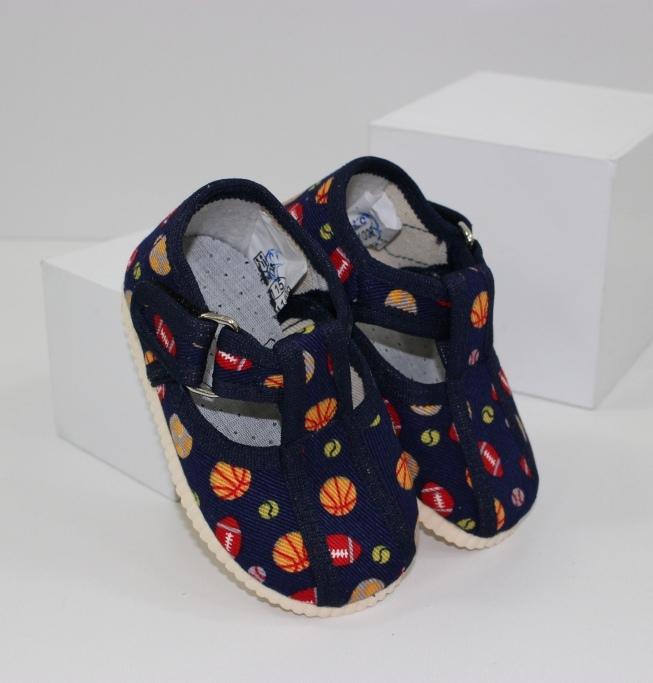 Детские тапочки для мальчика на липучке - обувь для садика
