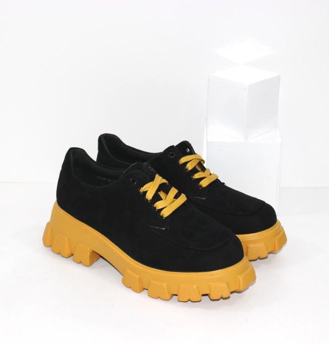 Купить черные замшевые туфли на жёлтой подошве