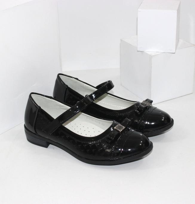Туфли на девочку с ремешком лаковые