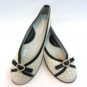 Купить недорого на сайте детские туфли на девочку