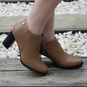 Стильные женские ботильоны на каблуке артикул 55-513 хаки - купить осенние ботинки на каблуке, легко и просто в интернете