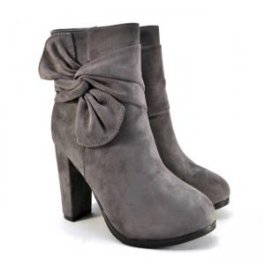 Замшевые женские ботинки с бантом артикул A851 серый - купить осенние ботинки на каблуке, легко и просто в интернете