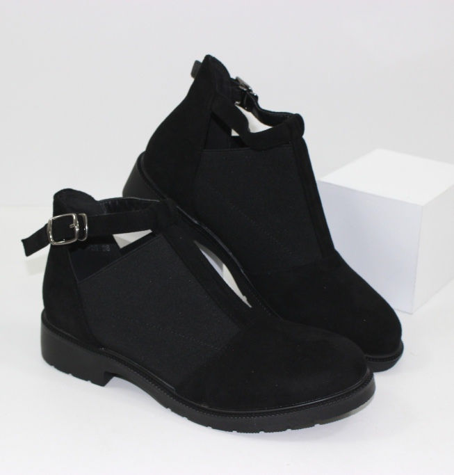 Супер модные женские сапоги и ботинки в дешевом интернет магазине Городок