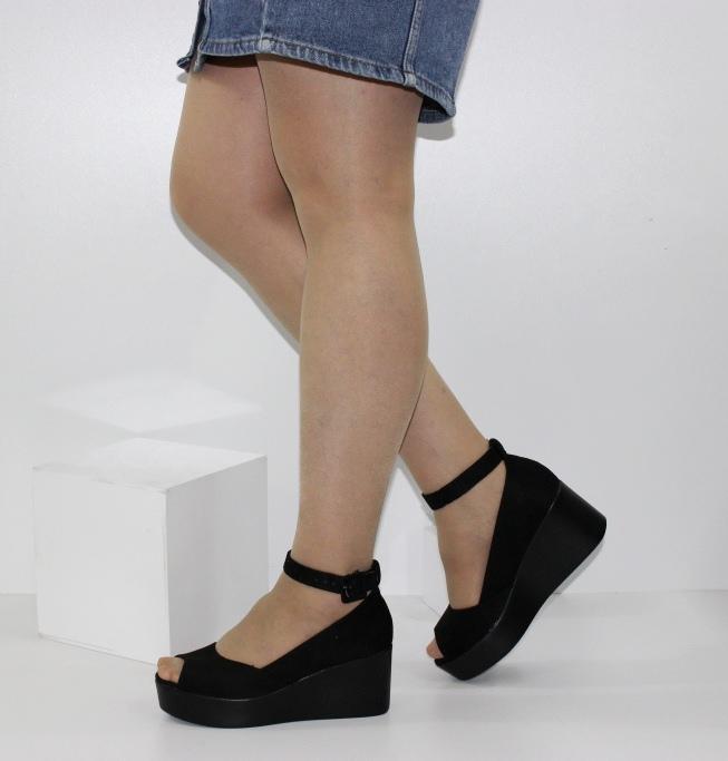 літні модельні туфлі