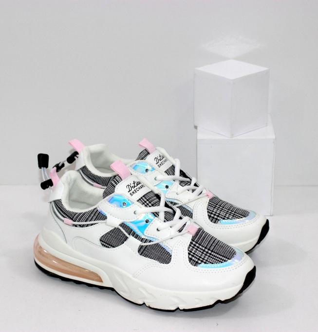 Купить белые кроссовки с текстильными вставками