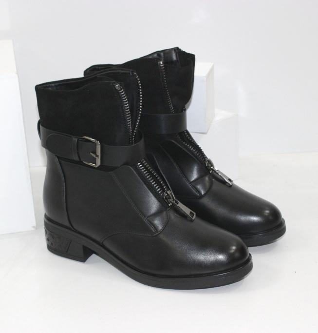 Черевики зимові жіночі на невисокому каблучку, модна зимове взуття 2021
